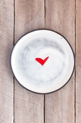 Love (heart) Round Plate (Small/Large)